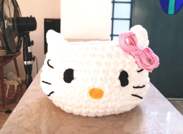 Crochet Kitty Basket from T-Shirt Yarn